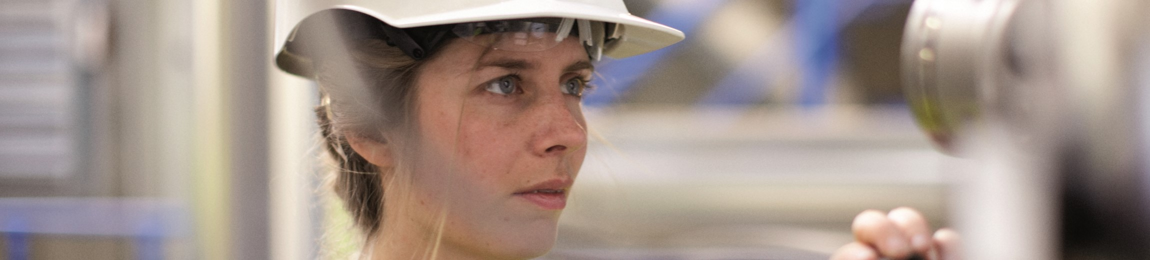 Female Statkraft employee