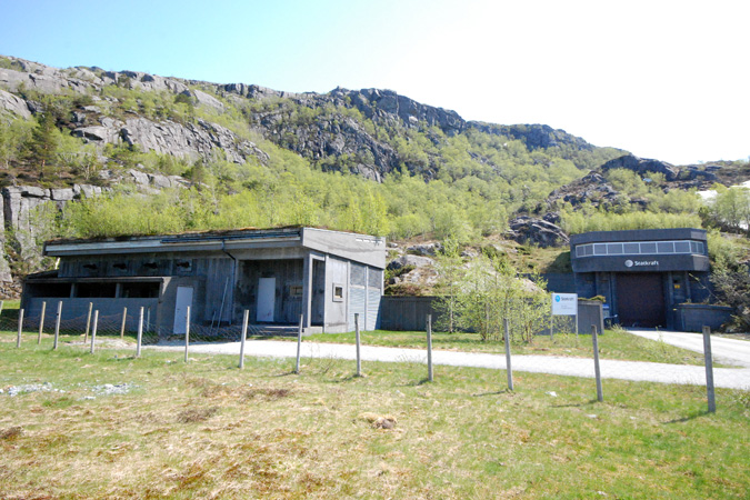 Reception building and emergency generator building Saurdal.