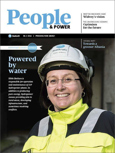 Cover of People & Power no. 3/2016