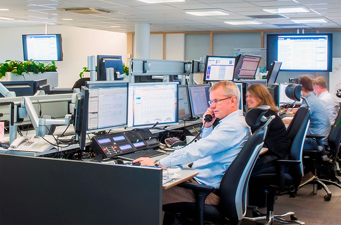 People At A Trade Desk